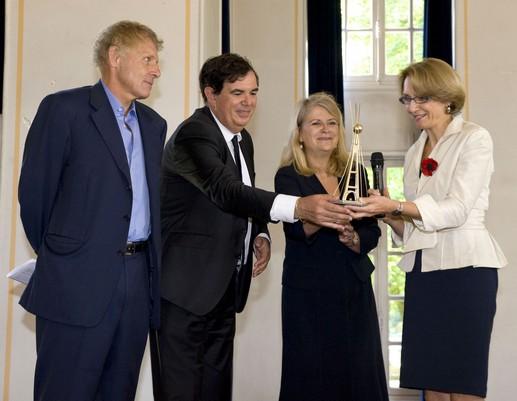 anne marie desc tes re oit le prix du rayonnement fran ais 2010 olivier cadic. Black Bedroom Furniture Sets. Home Design Ideas