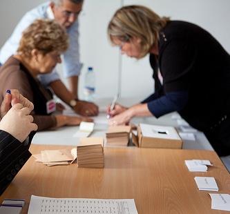 appel volontaires pour l 39 organisation des lections de 2012 olivier cadic. Black Bedroom Furniture Sets. Home Design Ideas