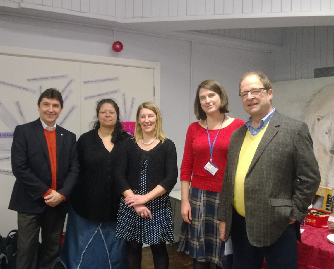 Olivier Cadic et l'équipe de la Petite école de Leeds : Fabienne Harrigan, Céline Faure, Olivia Neligan, Jeremy Burton