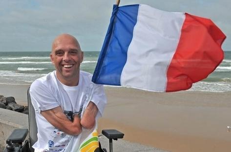 """Philippe Croizon soutient la campagne de l'Association des Paralysés de France, : """"Accessibilité : la liberté d'aller et de venir ne peut pas attendre 10 ans de plus !"""""""