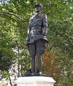Statue de Gaulle Carlton Gardens