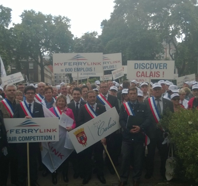 Aux côtés de Natacha Bouchart, sénateur-maire de Calais, dans les rues de Londres le mardi 3 juin 2014, pour sauver les 600 emplois de My Ferry Link.