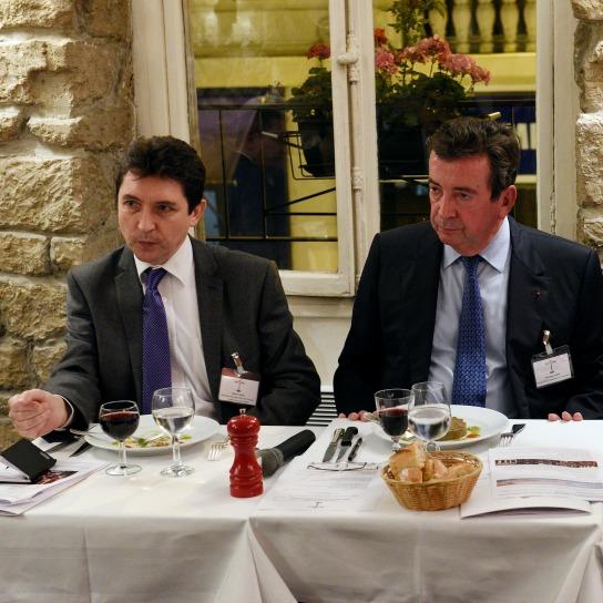 """Diner-débat du Club """"France, Terre de tourisme"""" : Olivier Cadic et Philippe Faure, président délégué du conseil de promotion du Tourisme qui rassemble des professionnels, des élus et des représentants de l'Administration."""