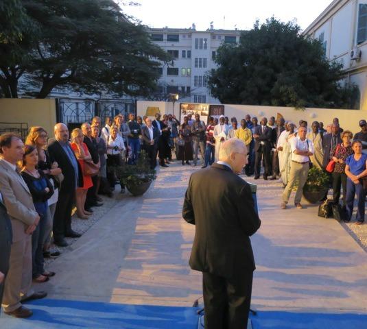 Louis Duvernois, sénateur représentant les Français établis hors de France, présente son projet « Allez les filles », lors du 15ème Sommet de la Francophonie à Dakar