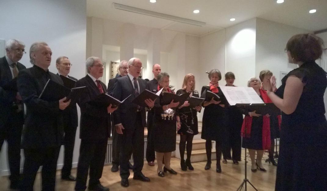 Les Trémolos, chorale des membres de l'UFE Norvège, en récital de chansons françaises lors de la soirée de gala du 17 janvier 2015