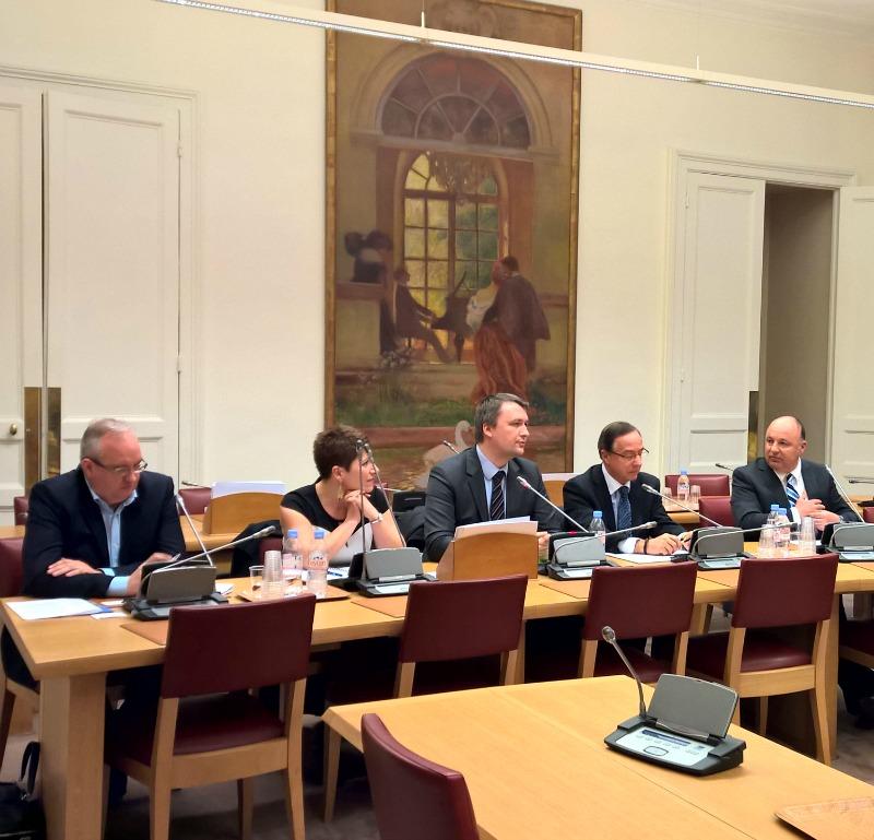 Les représentants des entreprises Visiom et SSL Europe, aux côtés de l'expert Christophe Naudin (tout à droite de l'image).