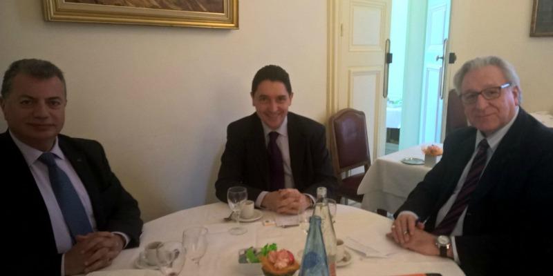 Rencontre à Paris avec Jean-François Donzier, directeur général de l'Office International de l'Eau (à droite sur l'image) afin d'aider Fadi Comair (à gauche) à faire aboutir le projet du CIFME