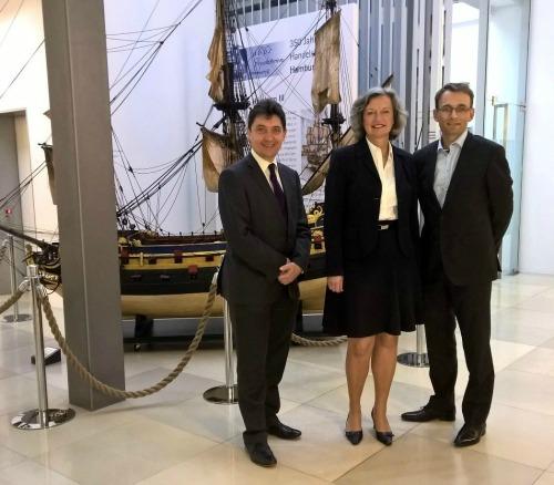 Olivier Cadic, Corinna Nienstedt, directrice de la chambre de commerce d'Hambourg et Henri Zeller, délégué UDI pour la circonscription d'Allemagne du nord