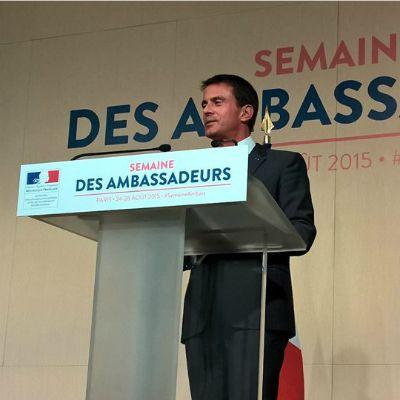"""Manuel Valls prône """"une diplomatie forte au service d'une France forte"""""""