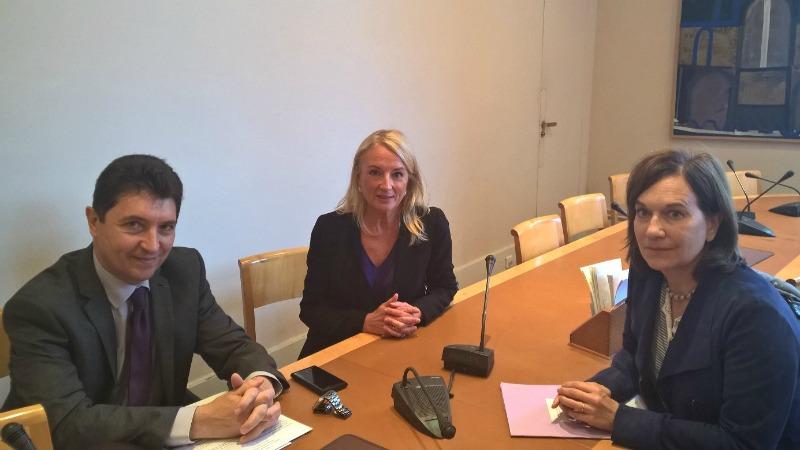 Olivier Cadic, Elisabeth Doineau, sénatrice de Mayenne et Laurence Rossignol, secrétaire d'Etat chargée de la Famille