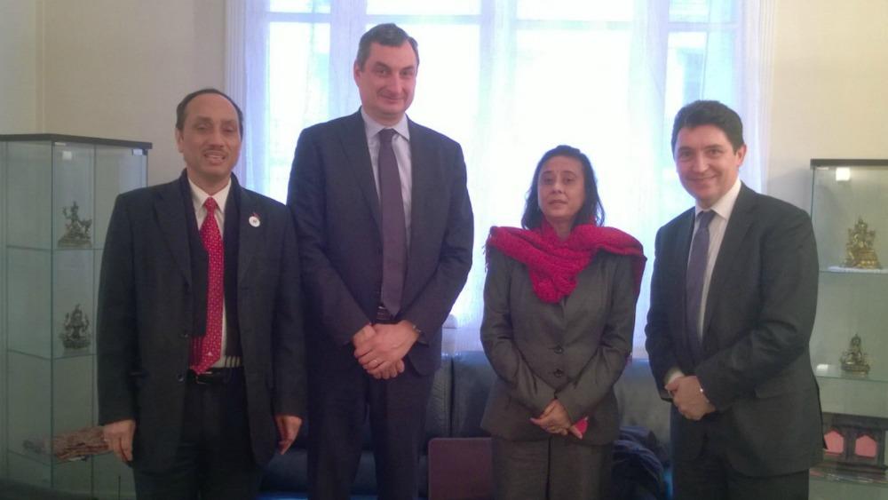 Ambassade du Népal à Paris – 10.12.2015 (g. à d.) : Ram Babu Dhakal, chef de mission à l'ambassade ; Olivier Cigolotti, sénateur de Haute-Loire, Ambika Devi Luintel, ambassadrice du Népal en France et Olivier Cadic