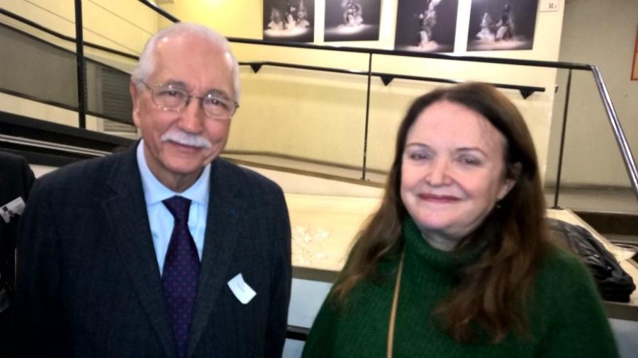 """Louis Duvernois à côté de Nicole Lambert, dessinatrice des célèbres """"Triplés"""" et marraine de la Petite Bibliothèque d'Adiflor."""
